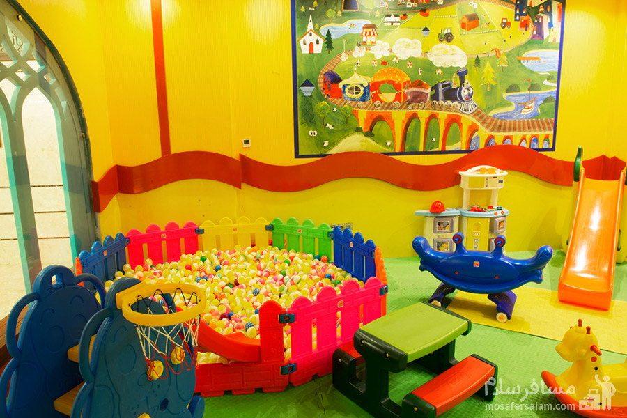 اتاق بازی کودکان هتل مدینه الرضا