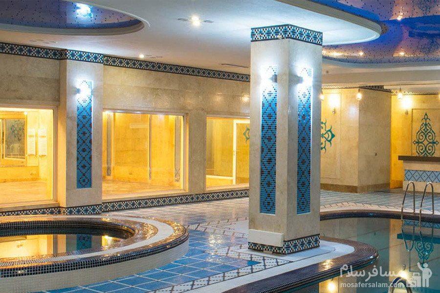 محیط آبی هتل مدینه الرضا