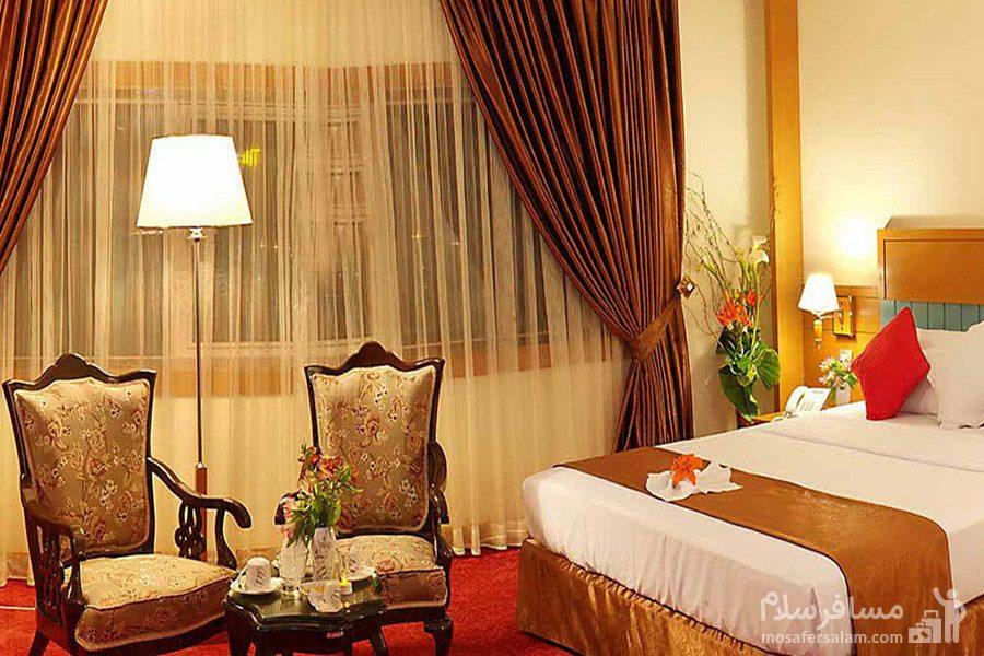 اتاق رویال هتل مدینه الرضا مشهد