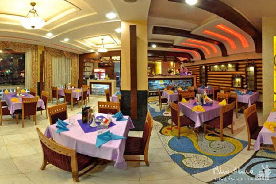 کافی شاپ در هتل مشهد