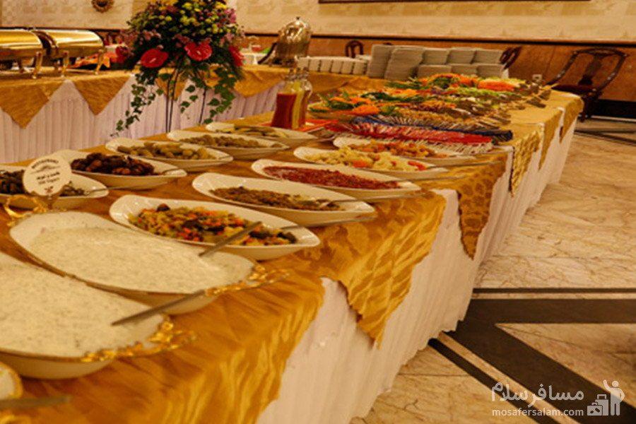 بوفه رستوران در هتل مشهد