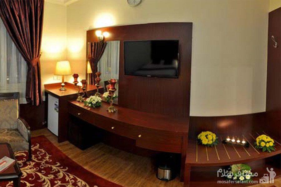 اتاق خواب دارای تلویزیون