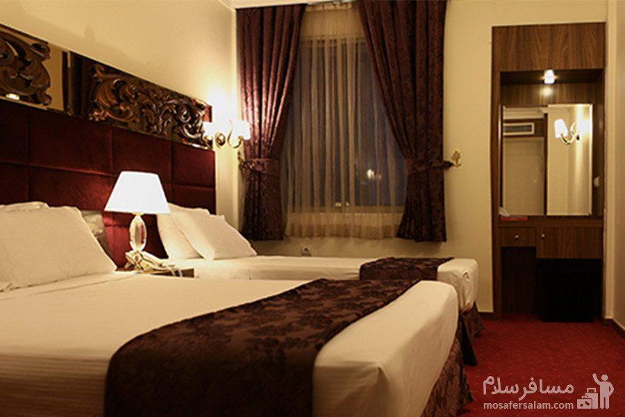 عکس از اتاق خواب هتل مشهد