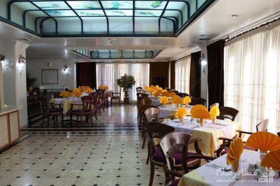 سالن صبحانه خوری هتل رضویه مشهد