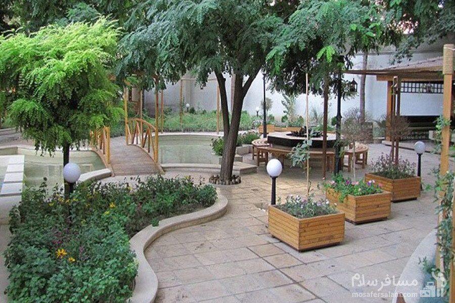 فضای گل کاری هتل تهران مشهد