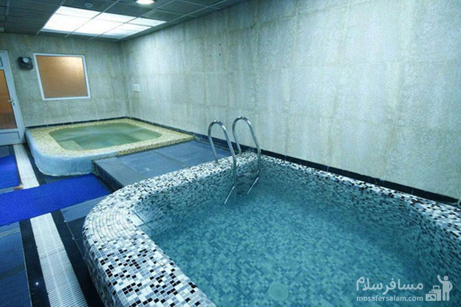 حوضچه آب سرد استخر هتل گسترش