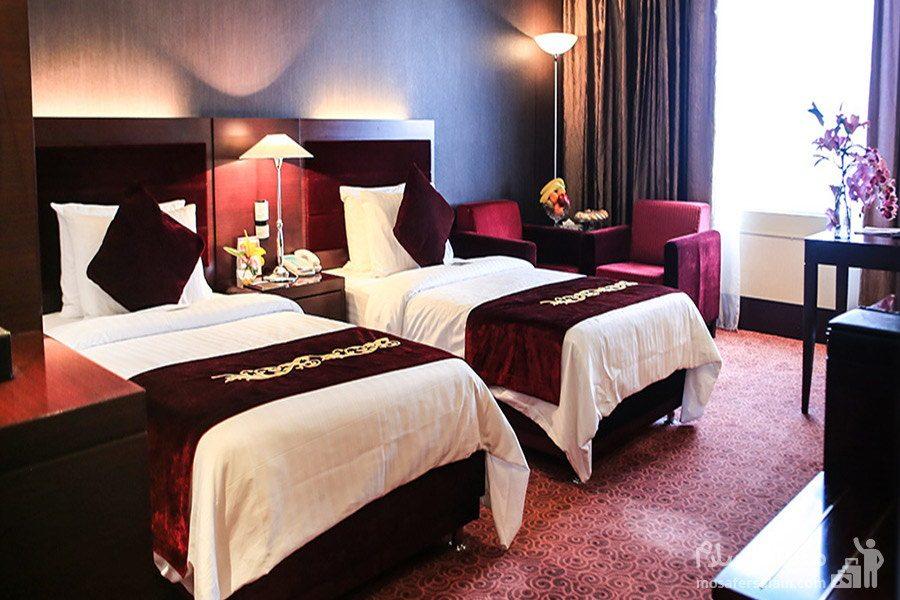 هتل پارسیان آزادی تهران اتاق دوتخته توئین