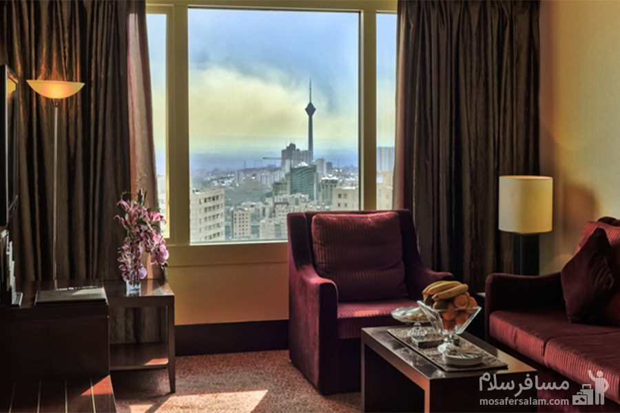 پذیرایی جونیور هتل آزادی تهران