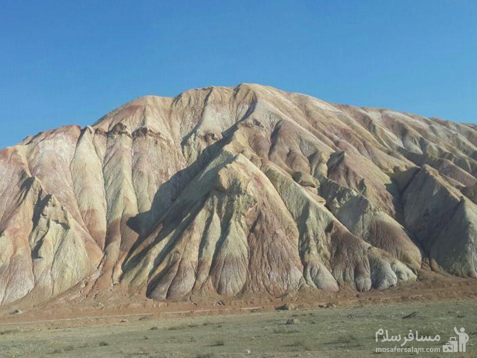 کوههای رنگارنگ جاده اهر