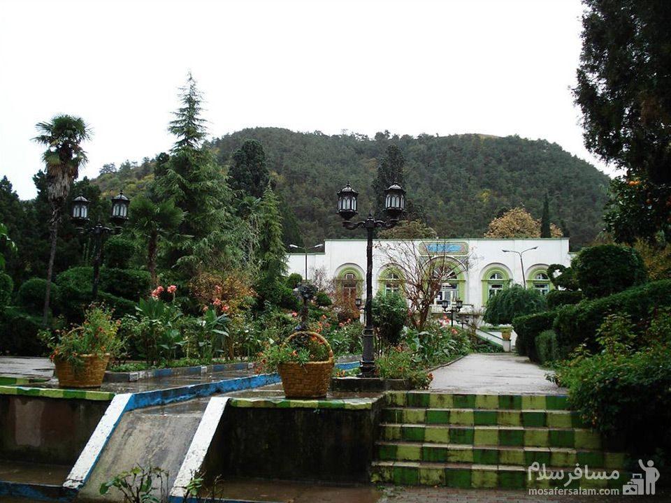 عمارت و باغ چهلستون