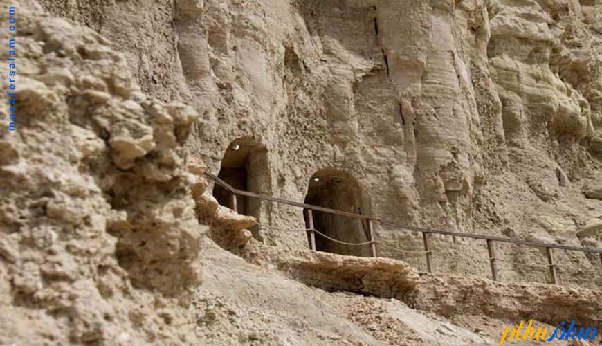غارهای خربس قشم