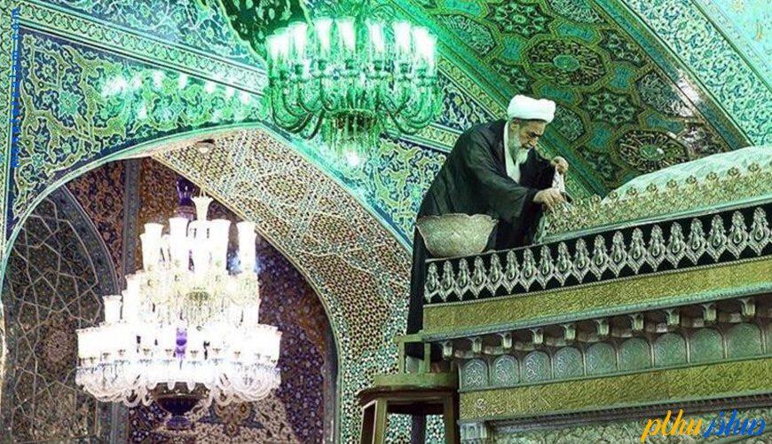 غبار روبی حرم امام رضا