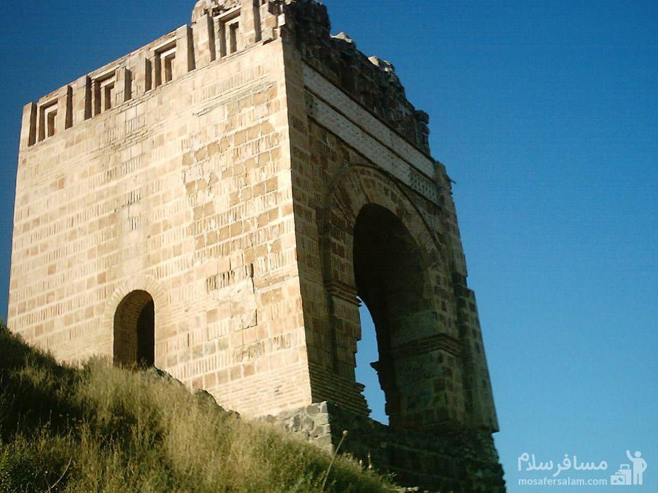 قلعه ضحاک آذربایجان