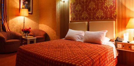اتاق هتل پارسیان عالی قاپو اصفهان