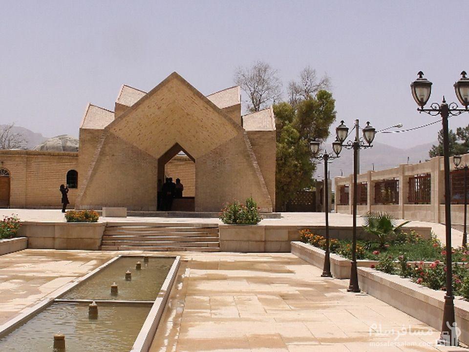 مقبره احمد نيريزي
