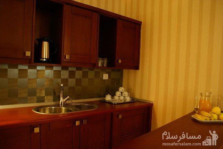 آشپزخونه سوئیت هتل عماد مشهد