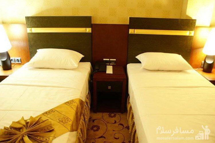 اتاق دوتخته توئین هتل عماد مشهد