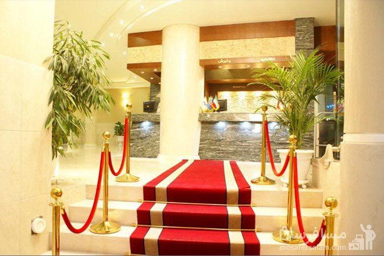 پله ورودی هتل توحید نوین مشهد