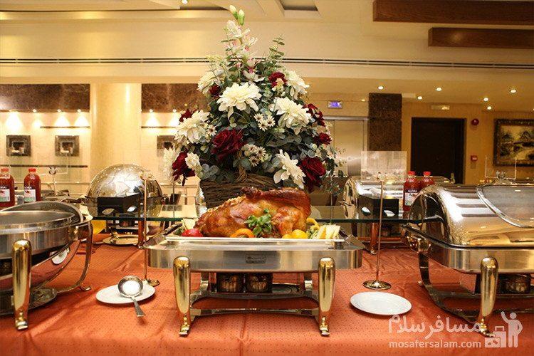 بوفه نهار هتل توحید نوین مشهد