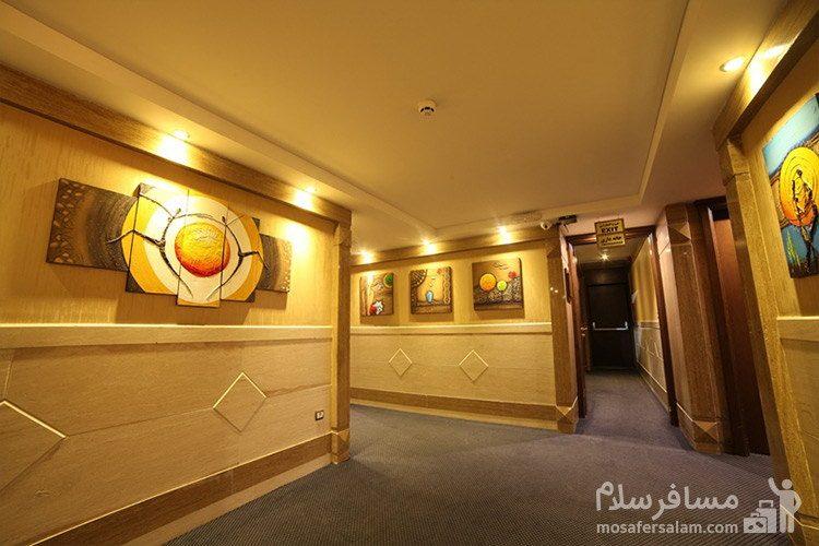 راهرو اتاقهای هتل توحید نوین مشهد
