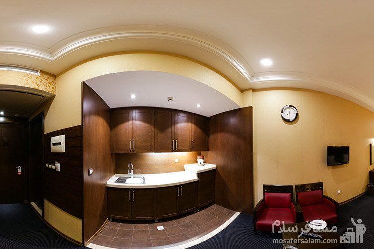 آشپزخانه سوئیت هتل توحید نوین مشهد