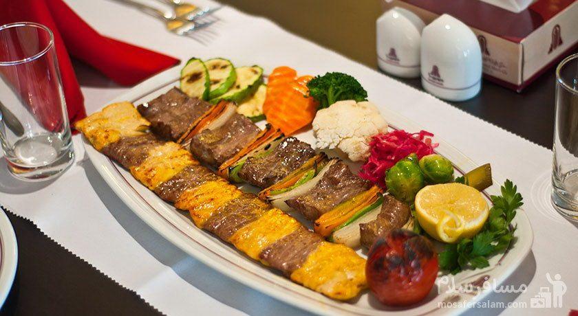 هتل پارسیان آزادی تهران غذای برگ