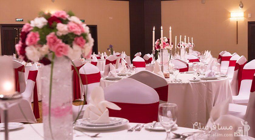 هتل پارسیان آزادی تهران میزهای تالار عروسی