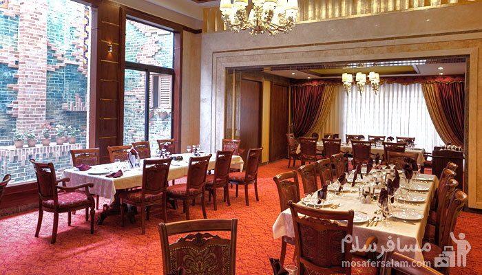 سالن آتریم هتل درویشی مشهد