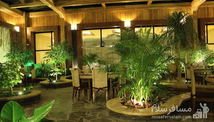 فضا رستوران روف گاردن هتل درویشی