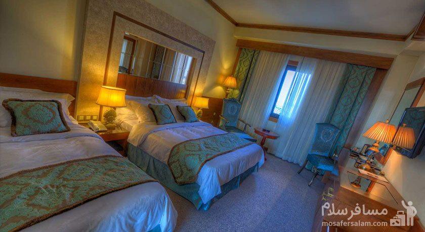 اتاق سه تخته هتل درویشی