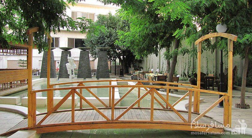 پل چوبی هتل تهران مشهد
