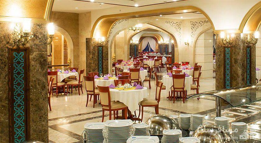 رستوران گل نرگس هتل مدینه الرضا