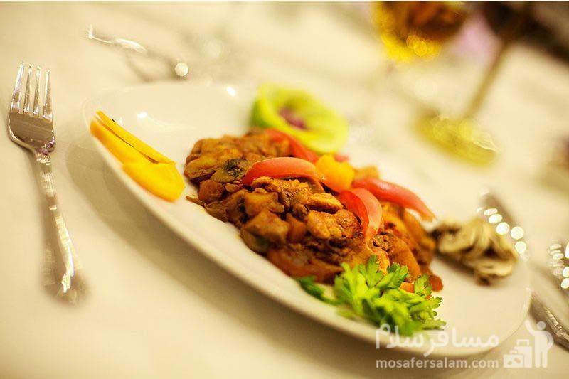 ناهار هتل ایران کیش