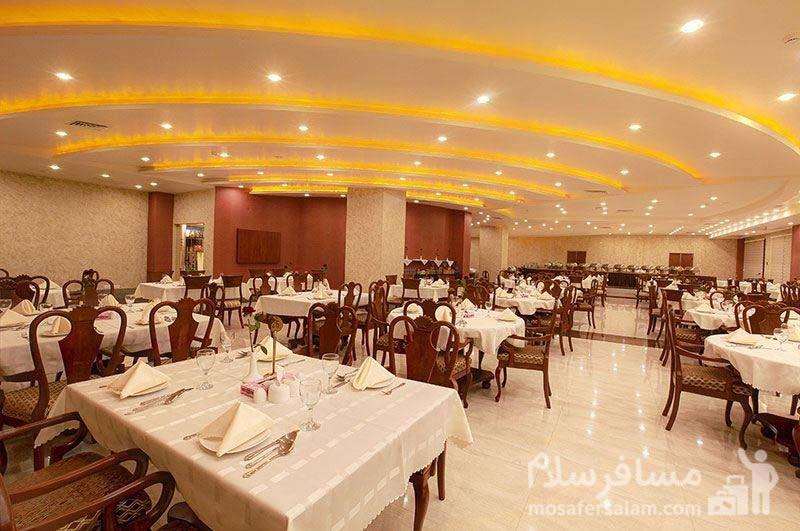 هتل ایران کیش سالن غذاخوری