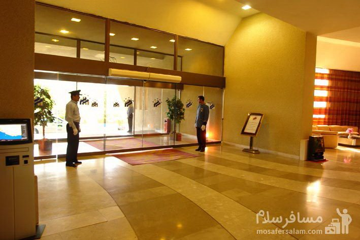 ورودی هتل شایگان کیش