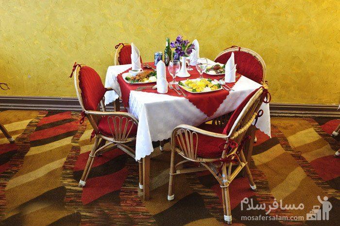 میز چهارنفره هتل شایگان کیش
