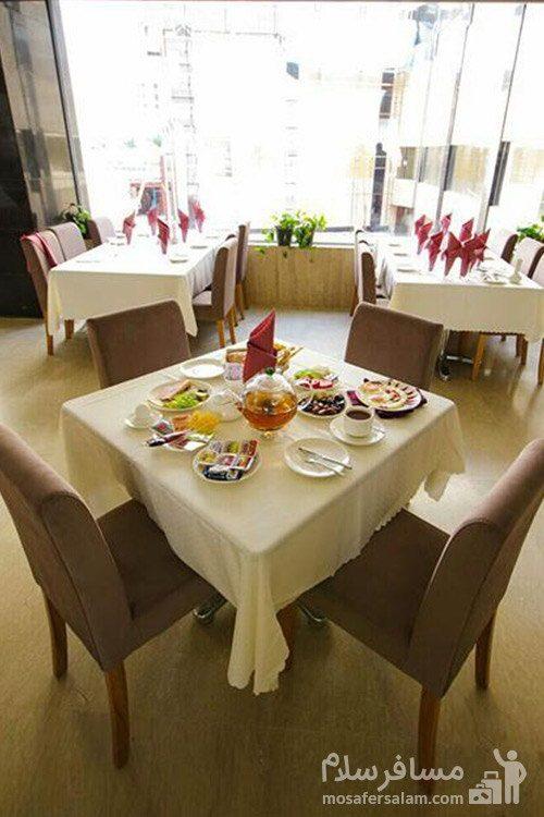 سالن صبحانه خوری هتل حیات شرق مشهد