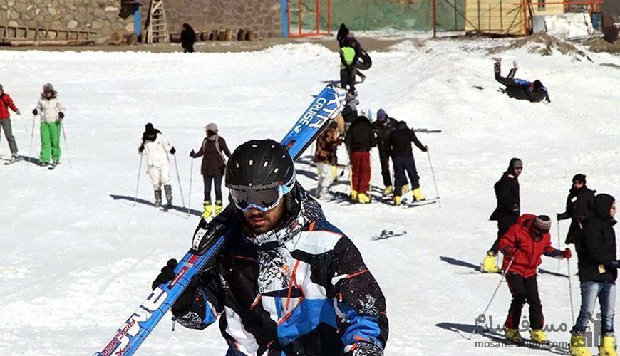 اسکی در پیست اسکی شیرباد مشهد