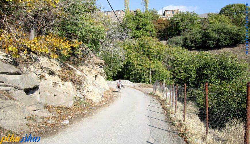 روستای وردیج ، معروف به روستای آدمهای سنگی