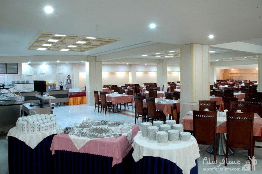 سالن ناهارخوری هتل مینو مشهد