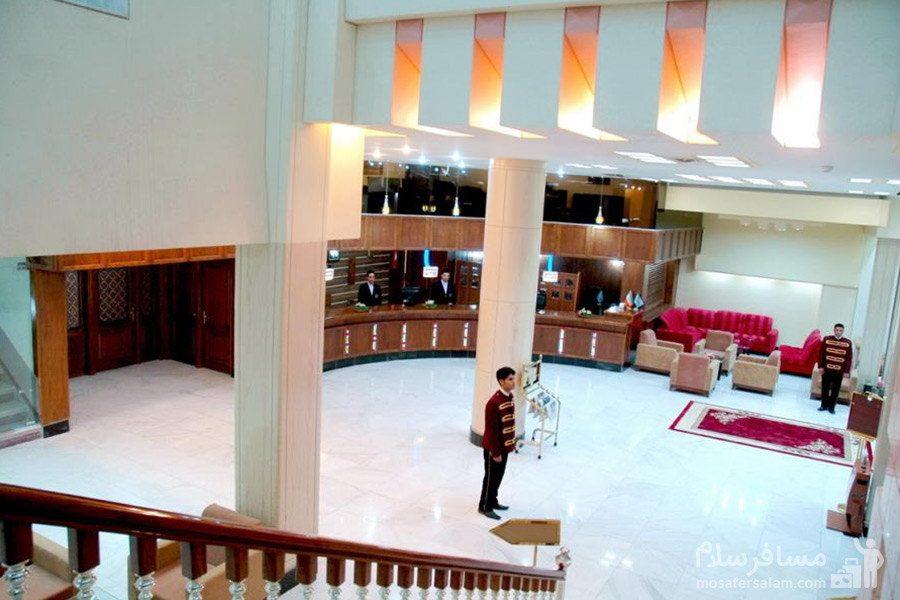 سالن ورودی هتل مینو مشهد