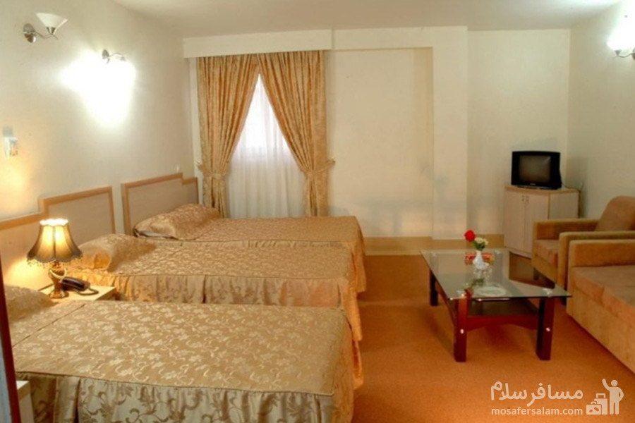 اتاق سه تخته هتل مینو مشهد