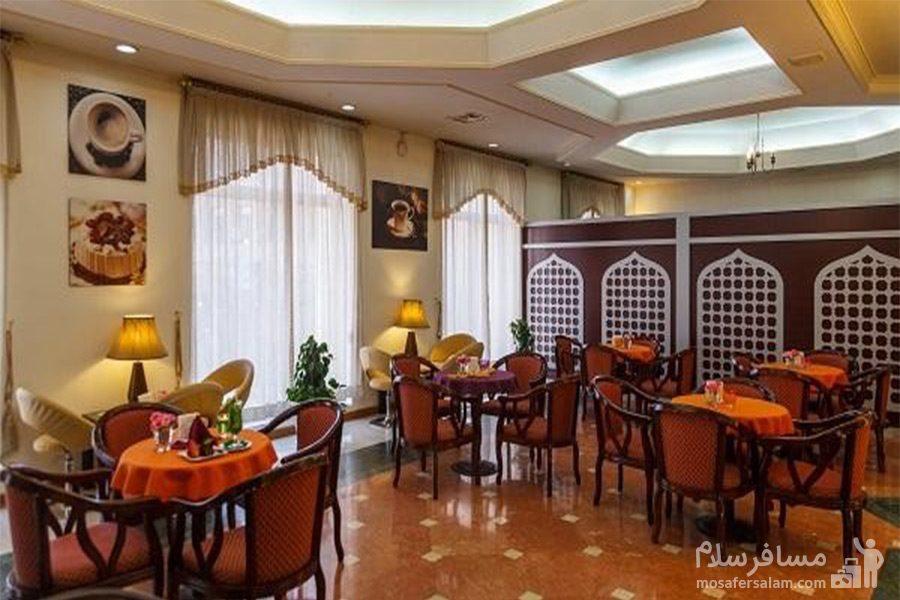کافی شاپ هتل قصرالضیافه مشهد