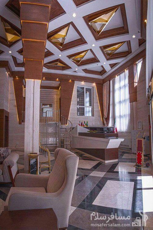 لابی هتل کارن