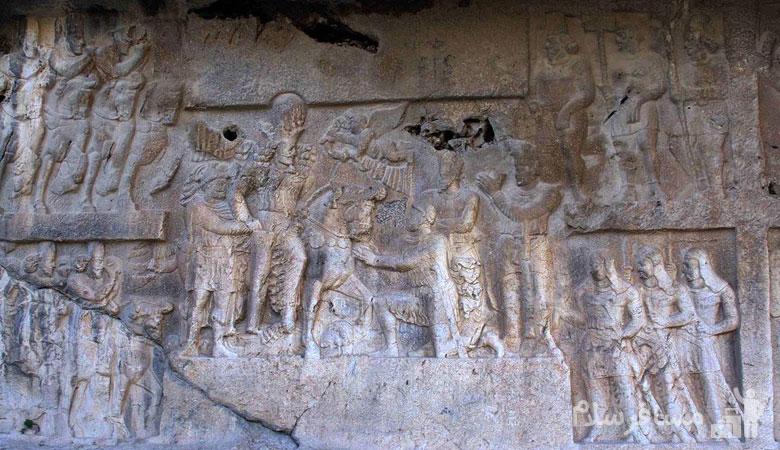 نقش نگاره های سنگی در غار شاپور