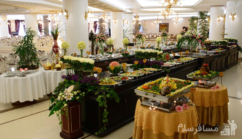 بوفه ناهار و شام هتل قصر طلایی مشهد