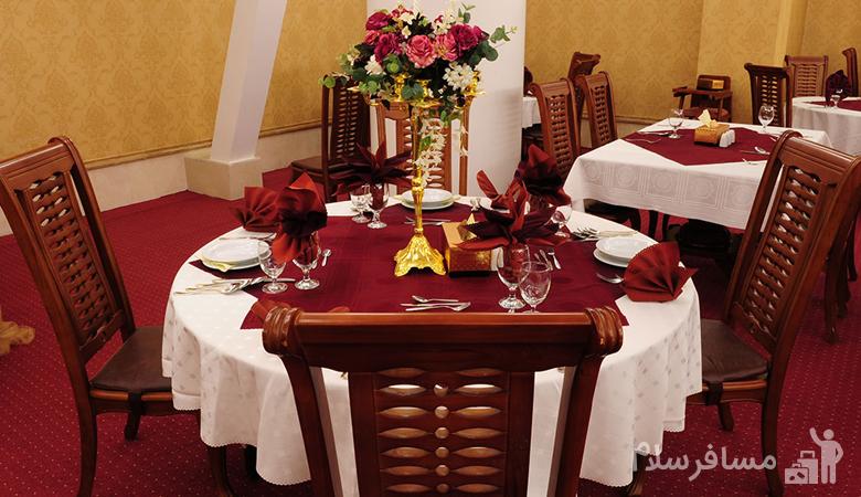 میز ناهار قصر طلایی مشهد