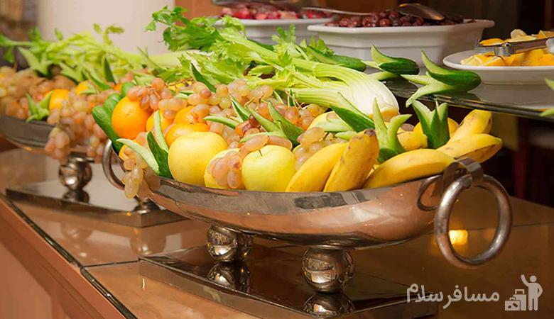 دیزاین میز میوه هتل قصر طلایی مشهد