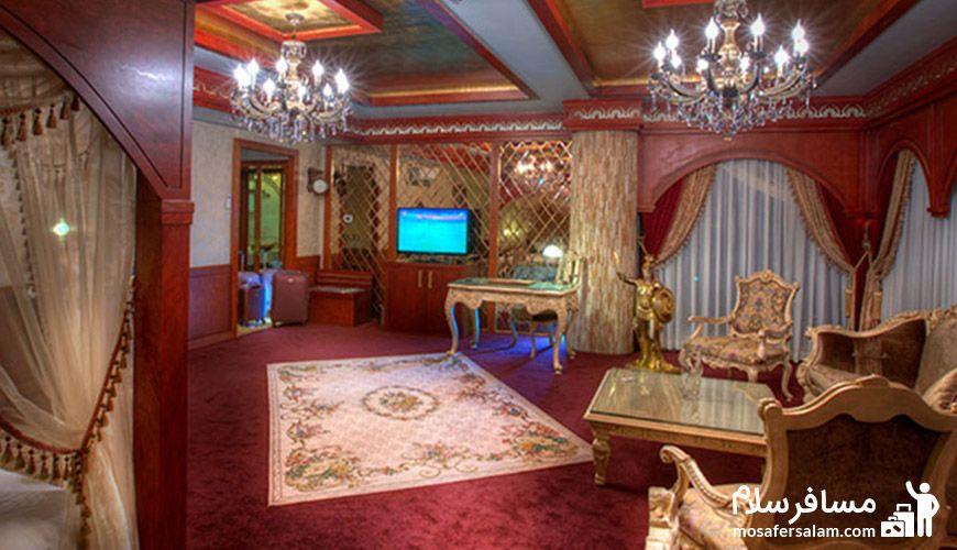 نمایی زیبا از اتاق هتل درویشی