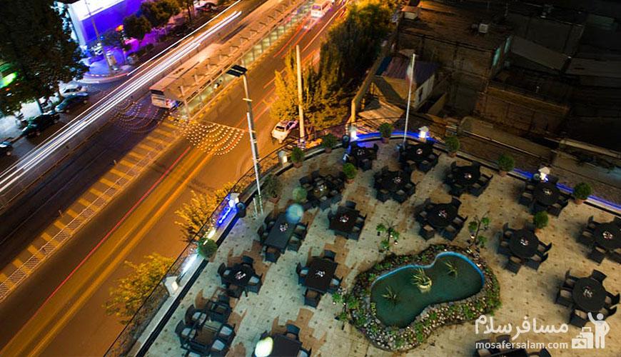 رستوران بارگاه هتل قصر طلایی